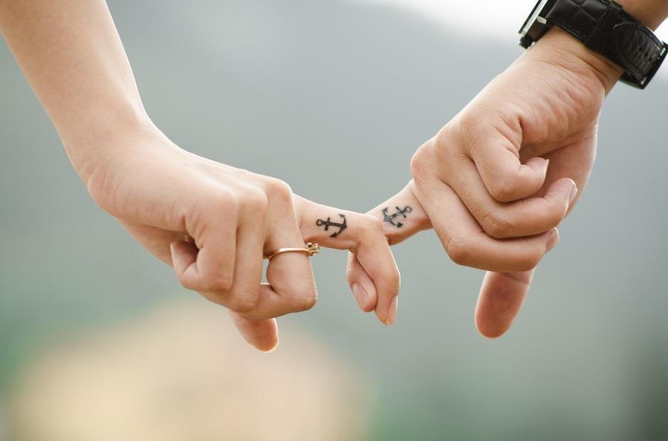 handsrelationship
