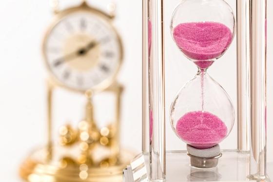 hourglass-1703330